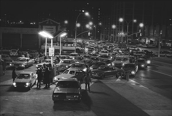 People lining up for gas during the '70's Oil Crisis